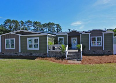 (14) Saddlebrook 4 Bed/2 Bath 2,400 sq ft